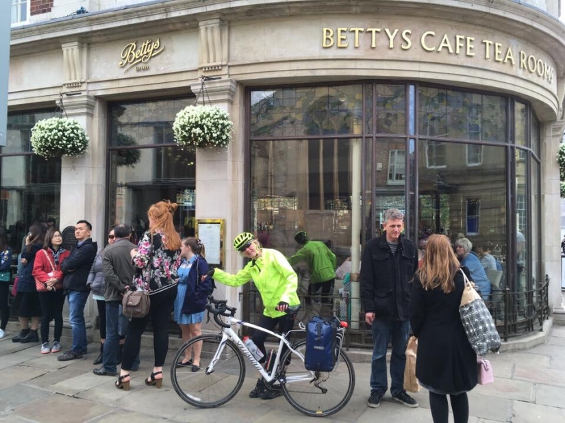Betty's tea rooms york way of the Roses